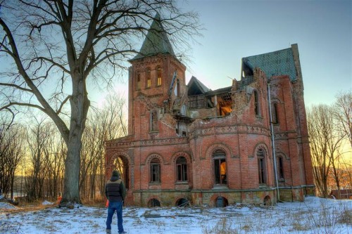 http://abandonedhudsonvalley.com/wyndcliffe/